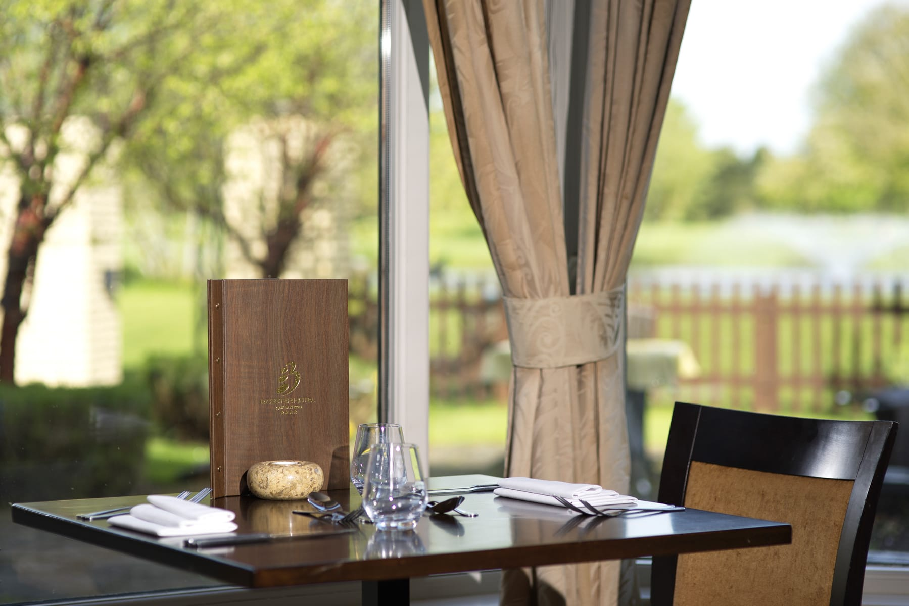 Grays restaurant table, dining Bicester
